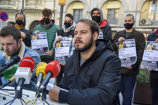 El rapero Pablo Hasel, en una rueda de prensa en Lleida después de que la Audiencia Nacional haya ordenado su ingreso en prisión.