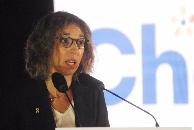 La candidata del PdeCAT a la presidència de la Generalitat, Àngels Chacón intervé durant l'inici de campanya del PDeCAT, al Recinte Modernista de Sant Pau, a Barcelona, Catalunya (Espanya), 28 de gener del 2021. Arxiu.
