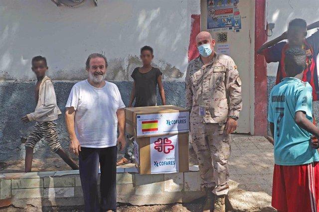 La Fundación Cofares, en colaboración con OMFE, ha donado más de 6.000 kilos de medicamentos pediátricos a las Fuerzas Armadas para que los militares los repartan entre las poblaciones de Mali, República Centroafricana, Yibuti y Líbano.