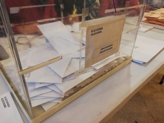 Imatge de Recurs. Eleccions generals del 10 de novembre. 10-N. Urnes. Sobres.