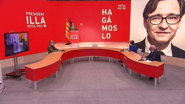 El candidat del PSC, Salvador Illa, acompanyat de representants del sector cultural i de l'escriptora i número 4 per Barcelona, Gemma Lienas, i el Secretari de Cultura i Societat del partit, Joan Francesc Marco.
