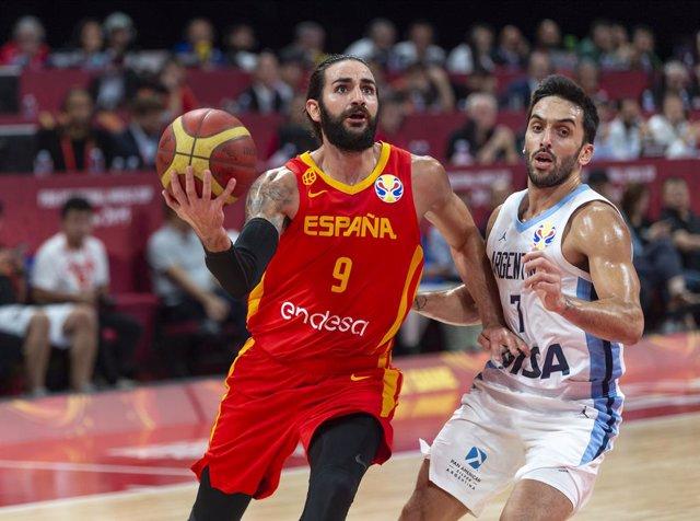 Ricky Rubio (España) y Campazzo (Argentina) en la final del último Mundial