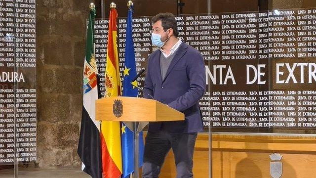 El director general de Planificación y Evaluación de las Políticas Activas de Empleo, Jesús Seco, en rueda de prensa