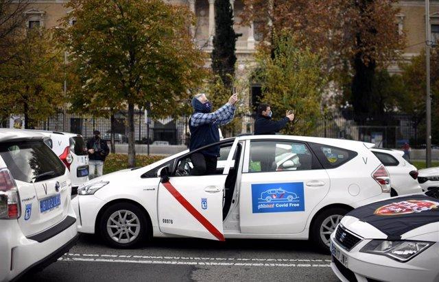 Imagen de recurso de una marcha de taxistas convocada por la FPTM, la Asociación Gremial del Taxi de Madrid y la Asociación Élite Taxi Madrid.