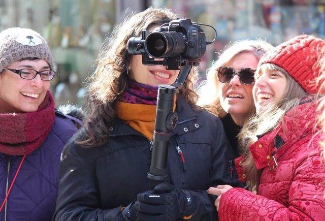 Una veintena de madres cineastas noveles de España y Latinoamérica recibirán clases con figuras del cine en Coofilm II