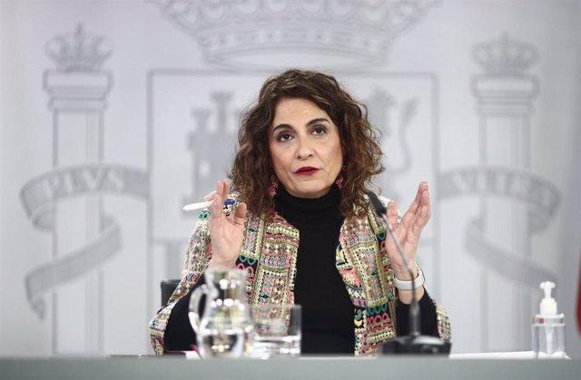 La ministra portavoz y de Hacienda, María Jesús Montero, durante una rueda de prensa posterior al Consejo de Ministros, en la Moncloa, Madrid, (España), a 26 de enero de 2021.