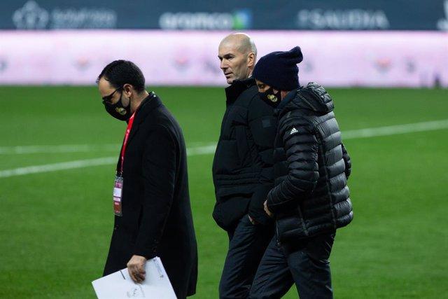 Zinedine Zidane, head coach of Real Madrid, during the Spanish SuperCup Second Semifinal between Athletic Club Bilbao and Real Madrid Club de Futbol at La Rosaleda Stadium on January 14, 2021 in Malaga, Spain.