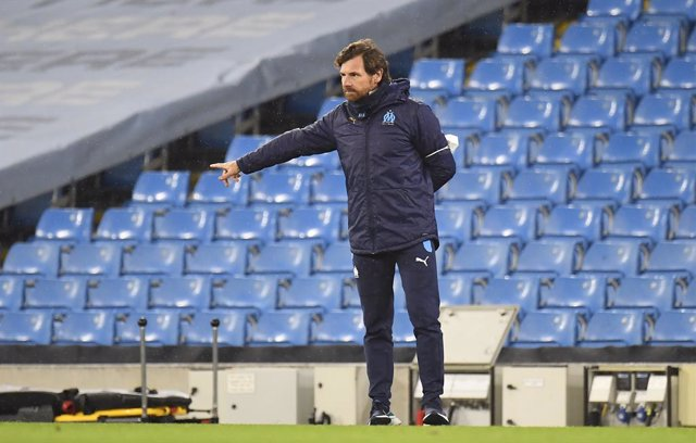 09 December 2020, England, Manchester: Marseille manager Andre Villas-Boas gestures on the touchline during the UEFA Champions League group C soccer match between Manchester City and Olympique de Marseille at the Etihad Stadium. Photo: Peter Powell/PA Wir