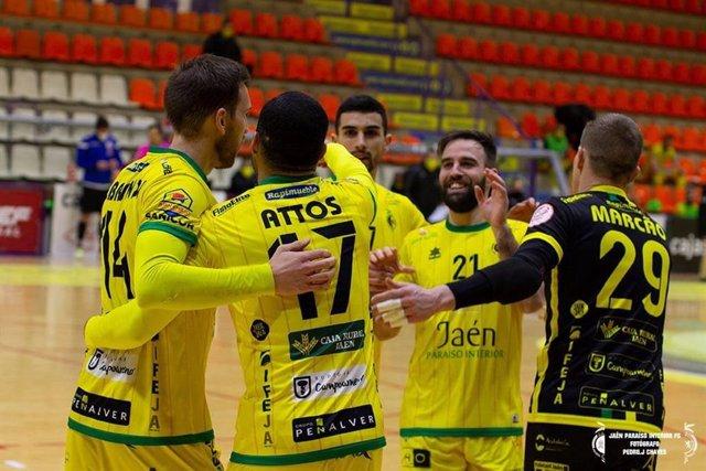Los jugadores del Jaén Paraíso Interior FS celebrando un gol