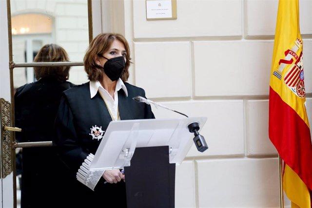 La fiscal general del Estado, Dolores Delgado, en la toma de posesión de seis nuevos fiscales adscritos al Tribunal Supremo, a la Inspección Fiscal, a la Fiscalía de Sala contra la Violencia sobre la Mujer y a la Unidad de Apoyo, el 22 de enero de 2021.