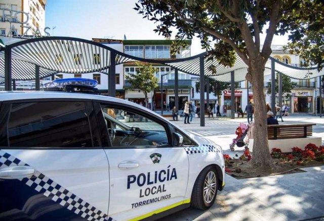 Imagen de archivo de un coche de la policía local de Torremolinos