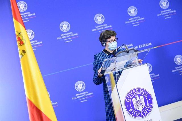 La ministra de Asuntos Exteriores, UE y Cooperación, Arancha González Laya, durante su visita a Bucarest