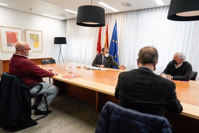Manuel Giménez se reúne con CEIM y los sindicatos mayoritarios CCOO y UGT