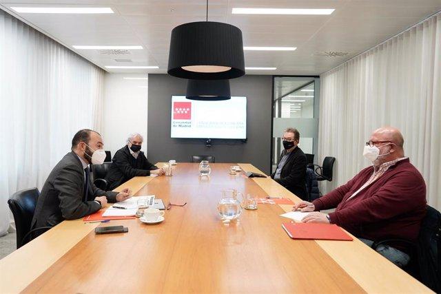 Manuel Giménez se reúne con CEIM y sindicatos mayoritarios CCOO y UGT