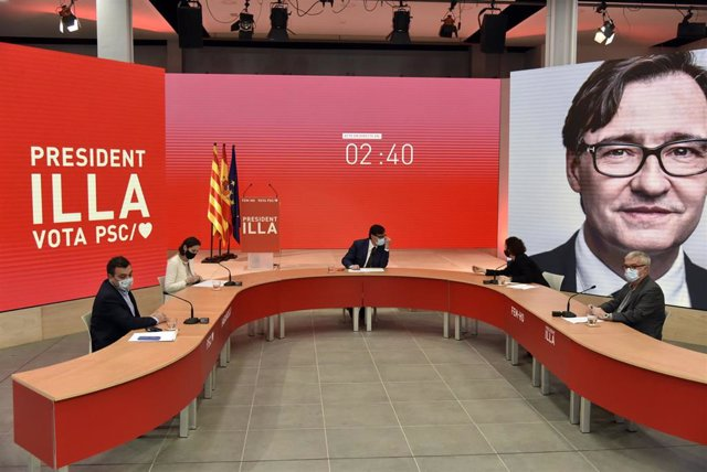 (I-D) Matías Carnero, Reyes Maroto, Salvador Illa, Alicia Romero y Mateo Valero durante un acto electoral telemático del PSC, en Barcelona, Catalunya (España), a 3 de febrero de 2021.