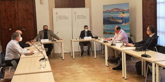 Reunión entre la Conselleria de Modelo Económico, Turismo y Trabajo y los agentes sociales.