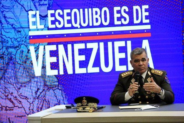 El ministro de Defensa de Venezuela, Vladimir Padrino, durante una rueda de prensa sobre Esequibo, territorio en disputa con Guyana
