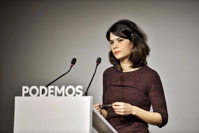 La portavoz de Podemos, Isa Serra, ofrece una rueda de prensa en la sede estatal del partido para valorar la actualidad política.