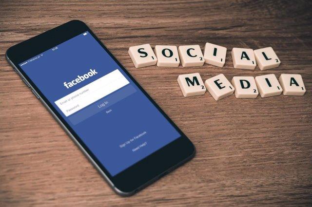 Redes sociales Facebook recurso