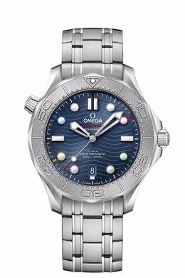 Omega presenta su Seamaster Diver 300M 'Beijing 2022', reloj oficial de los Juegos de invierno del próximo año.