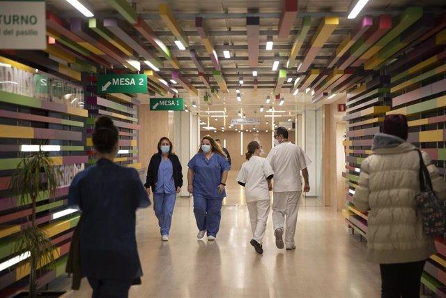 Entrada del Hospital Universitario Virgen Macarena.