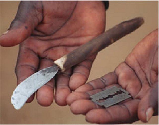 Herramientas usadas para una mutilación genital femenina (FGM)