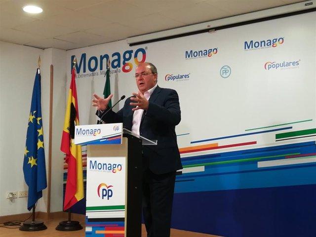 Imagen de archivo del presidente del PP extremeño, José Antonio Monago, en rueda de prensa