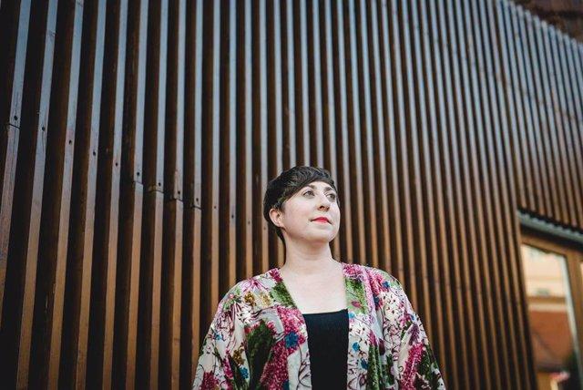 La escritora Elena Medel