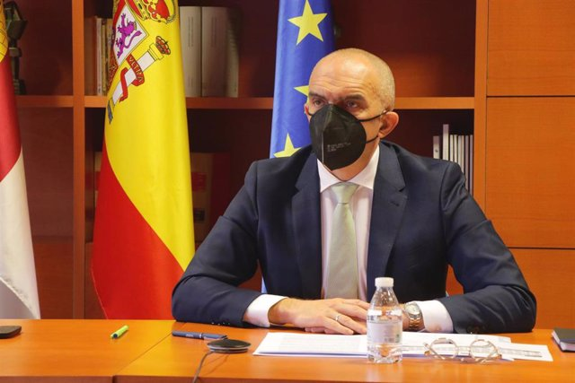 El director general de Salud Pública, Juan Camacho, en una comparecencia en las Cortes
