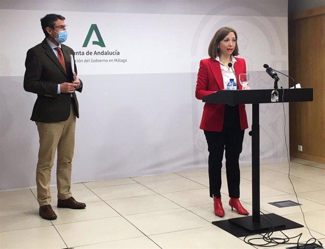 La delegada del Gobierno andaluz en Málaga, Patricia Navarro, junto al delegado territorial de Agricultura, Ganadería y Pesca, Fernando Fernández Tapia-Ruano.