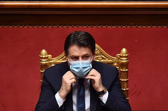19 January 2021, Italy, Rome: Italian Prime Minister Giuseppe Conte attends the Senate session of a vote of confidence following a breakdown of government alliances after the Italia Viva party of former prime minister Matteo Renzi decided to withdraw from