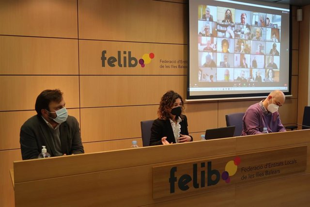 La consellera de Hacienda y Relaciones Exteriores, Rosario Sánchez, durante la reunión del Consejo Ejecutivo de la Felib.