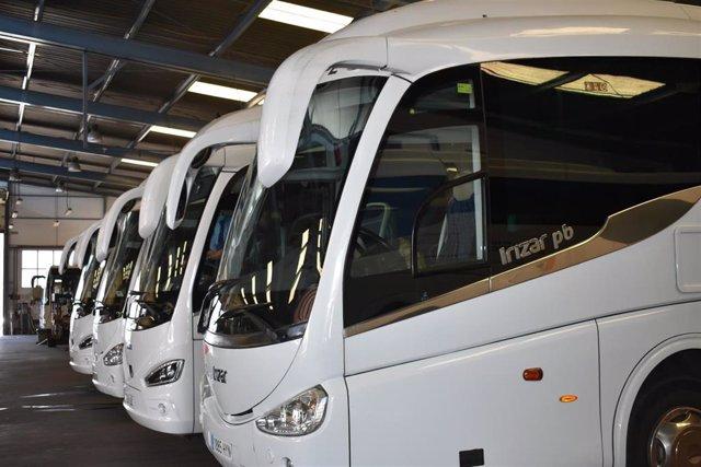 """Fedintra ofrece sus autobuses y profesionales para cooperar """"de forma desinteresada"""" en la vacunación"""
