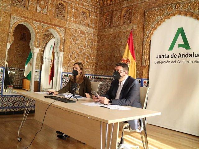 La delegada de la Junta en Almería se reúne con comerciantes