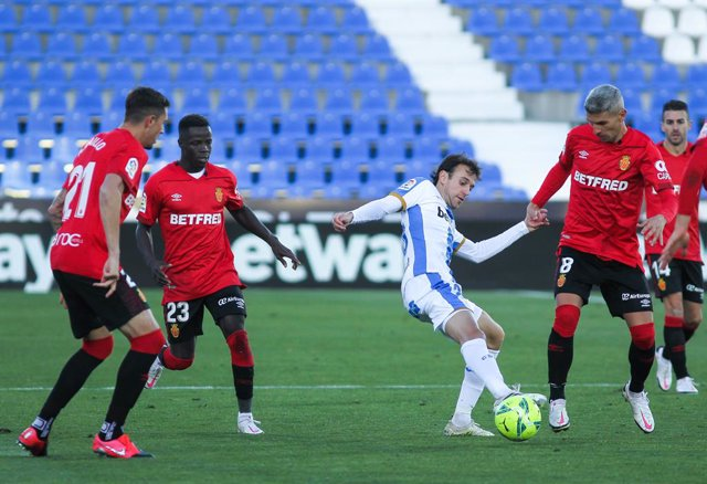 Ruben Pardo of CD Leganes in action during Liga Smartbank football match played between CD Leganes and RCD Mallorca at Butarque stadium on December 12, 2020 in Leganes, Madrid, Spain.