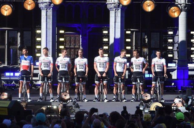 Equipo Arkea en la presentación del Tour 2019