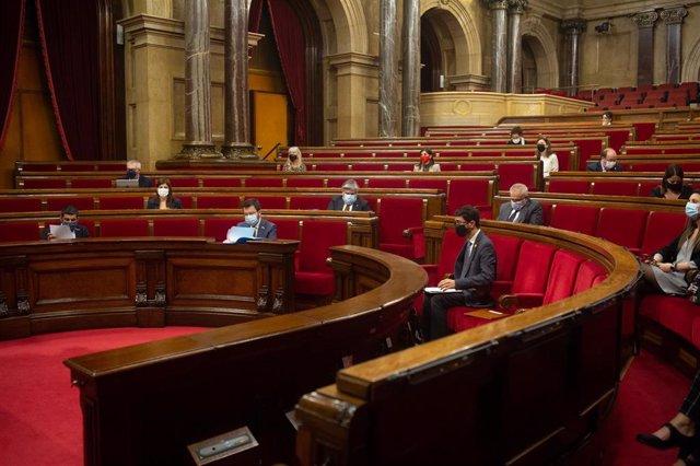 Sesión plenaria en el Parlament de Catalunya, en Barcelona.