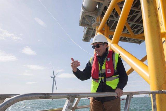 ScottishPower's West of Duddon Sands offshore wind farm project.    Picture by Chris James 9/4/14