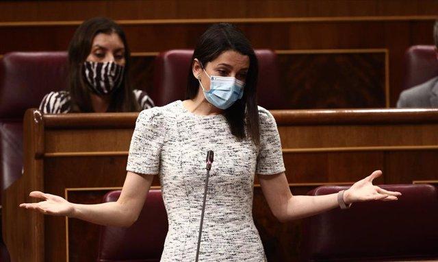 La presidenta de Ciudadanos, Inés Arrimadas, interviene en la primera sesión de control al Gobierno de 2021 celebrada en el Congreso de los Diputados, en Madrid, (España), a 3 de febrero de 2021. Esta primera sesión de control estará marcada, entre otras