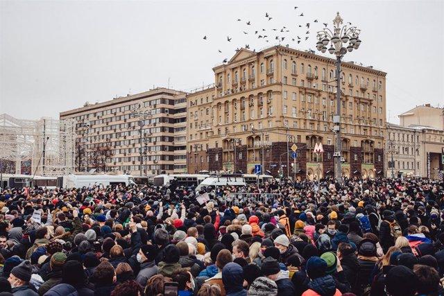 Manifestación en Moscú en protesta por la detención del opositor Alexei Navalni