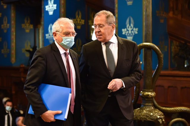 HANDOUT - 05 February 2021, Russia, Moscow: European Union High Representative for Foreign Affairs and Security Policy Josep Borrell (L) welcomed by Russian Foreign Minister Sergei Lavrov ahead of their meeting. The European Union's highest-ranking diplom