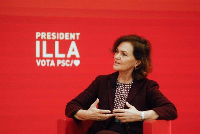 La vicepresidenta primera del Govern, Carmen Calvo, durant un acte telemàtic sobre en el marc de la campanya electoral del PSC, a Barcelona, Catalunya (Espanya), a 5 de febrer de 2021. Calvo ha assegurat que la proposta d'Illa basada a rebaixar un