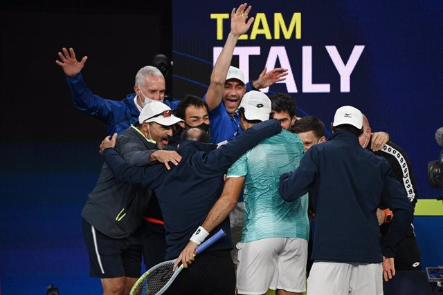 Team Italy celebrate after Matteo Berrettini defeated Roberto Bautista Agut of Spain during their semi-final of the ATP Cup at Melbourne Park in Melbourne, Saturday, February 6, 2021. (AAP Image/Dean Lewins) NO ARCHIVING, EDITORIAL USE ONLY