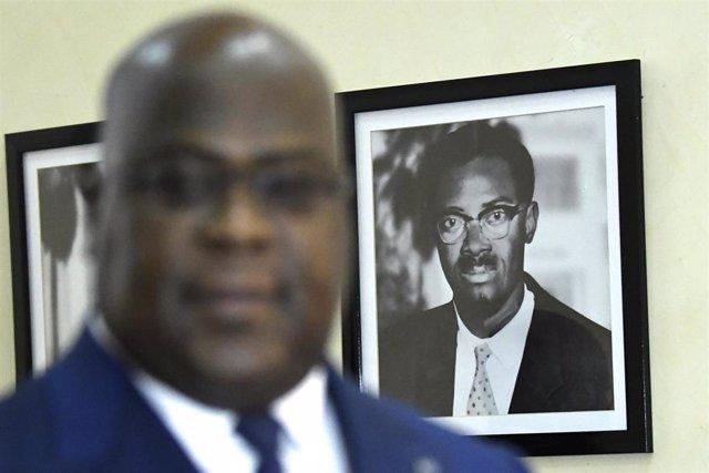 Felix Tshisekedi, delante de un retrato de Patrice Lumumba