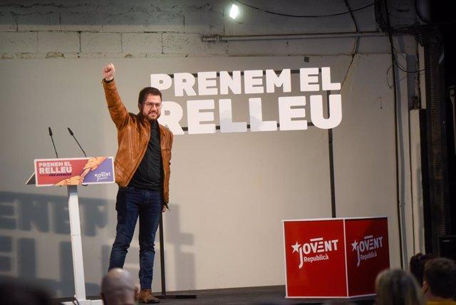 El vicepresident de la Generalitat en funcions i candidat d'ERC a la Presidència, Pere Aragonès, en un acte de campanya en la Nau Bostik de Barcelona.