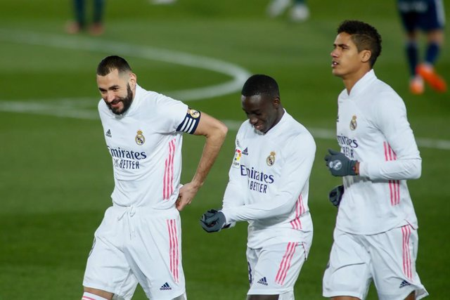 Karim Benzema, Ferland Mendy and Raphael Varane of Real Madrid warms up during the spanish league, La Liga Santander, football match played between Real Madrid and Celta de Vigo at Ciudad Deportiva Real Madrid on january 02, 2021, in Valdebebas, Madrid, S