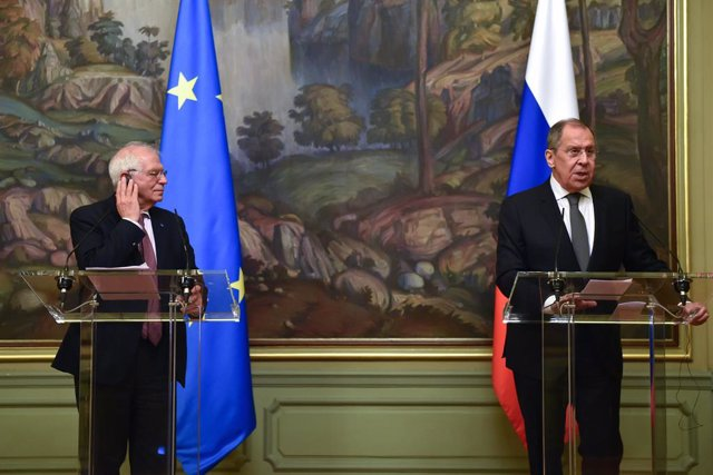 HANDOUT - 05 February 2021, Russia, Moscow: European Union High Representative for Foreign Affairs and Security Policy Josep Borrell attends a press conference with Russian Foreign Minister Sergei Lavrov (R) after their meeting. The European Union's highe