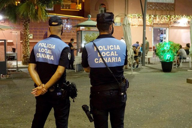 Coronavirus.- Levantan 158 actas de infracción en Santa Cruz de Tenerife, con 52 por incumplimiento del toque de queda