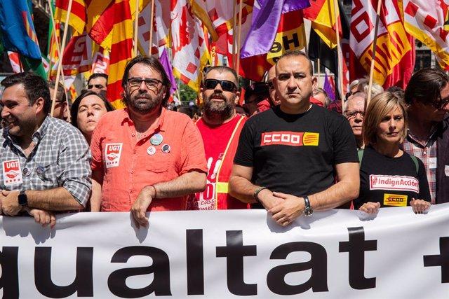 El secretari general d'UGT Catalunya, Camil Ros, i el de CC.OO., Javier Pacheco,en la manifestació sindical pel Dia del Treball a Barcelona (ARXIU).