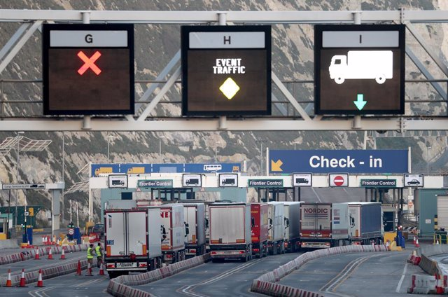 31 December 2020, England, Dover: Lorries arrive at the Port of Dover, the day that Britain leaves the EU single market and customs union. Photo: Gareth Fuller/PA Wire/dpa